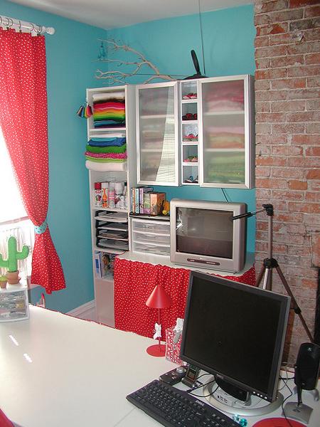 [Изображение: bright-craft-room-in-details14.jpg]