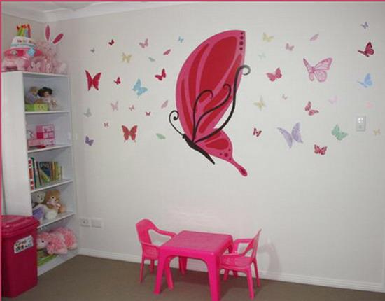 Бабочки на стене в детской комнате своими руками
