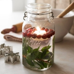 christmas-cranberry-and-red-berries-candles-decorating1-6.jpg