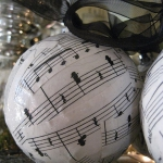 christmas-music-sheet-diy-decoration-ball3.jpg