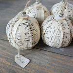 christmas-music-sheet-diy-decoration-ball5.jpg