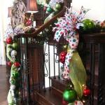 christmas-staircase-garland1-2.jpg