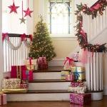 christmas-staircase-garland2-3.jpg