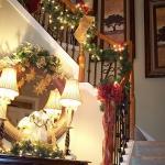 christmas-staircase-garland2-5.jpg
