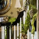 christmas-staircase-garland3-1.jpg