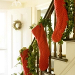 christmas-stairs-decoration1-3.jpg