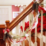 christmas-stairs-decoration2-2.jpg