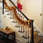 christmas-stairs-decoration5-2.jpg