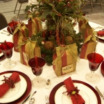 christmas-table-detail-gift2.jpg