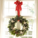 christmas-windows-decoration-wreath3.jpg