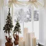 christmas-windows-decoration-windowsill3.jpg