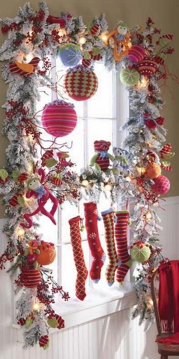 Decorating Ideas > Dom Swiateczne Dekoracje Na Oknaduzo Inspiracji ~ 192723_Holiday Decorating Ideas Windows