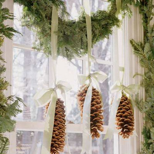 http://www.design-remont.info/wp-content/uploads/gallery/christmas-windows-decoration4/christmas-windows-decoration-nature3.jpg
