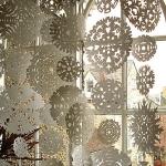 christmas-windows-decoration-snowflakes2.jpg