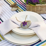 coastal-decor-on-plates-and-napkin-rings1-1