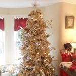 color-decor-to-white-christmas-tree1-3