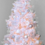 color-decor-to-white-christmas-tree2-2