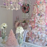 color-decor-to-white-christmas-tree3-1