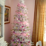 color-decor-to-white-christmas-tree3-4