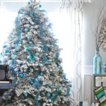 color-decor-to-white-christmas-tree6-1