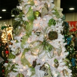 color-decor-to-white-christmas-tree6-8