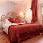 color-in-bedroom-one-basic1-1.jpg