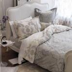 color-in-bedroom-one-basic11-2.jpg
