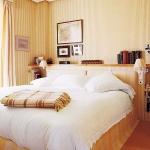 color-in-bedroom-one-basic3-1.jpg