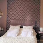 color-in-bedroom-one-basic9-2.jpg