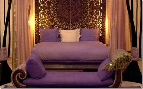 Сочетание фиолетового с золотым в интерьере фото