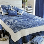 combo-blue-n-white-in-bedroom4.jpg