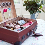 crafty-suitcase-ideas2-5.jpg