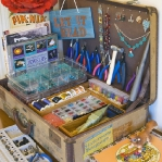 crafty-suitcase-ideas4-2.jpg