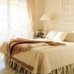 cream-shades-in-bedroom5.jpg