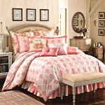 cream-and-tea-rose-shades-in-bedroom-combo4.jpg