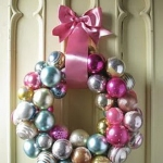 creative-decor-from-christmas-balls11-3