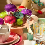 creative-decor-from-christmas-balls2-2