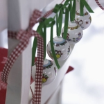 creative-decor-from-christmas-balls6-2