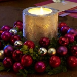 creative-decor-from-christmas-balls7-3
