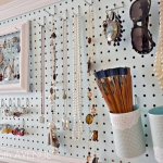 creative-organizing-things-with-pegboard4-3
