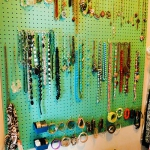 creative-organizing-things-with-pegboard4-4