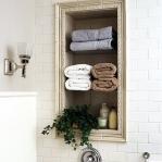 creative-storage-in-bathroom-niche10.jpg
