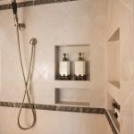 creative-storage-in-bathroom-niche16.jpg