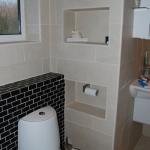 creative-storage-in-bathroom-niche17.jpg