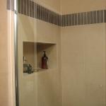 creative-storage-in-bathroom-niche19.jpg
