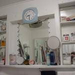 creative-storage-in-bathroom-niche20.jpg