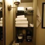 creative-storage-in-bathroom-niche21.jpg