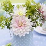 dahlias-bouquets-in-different-shades1-1.jpg