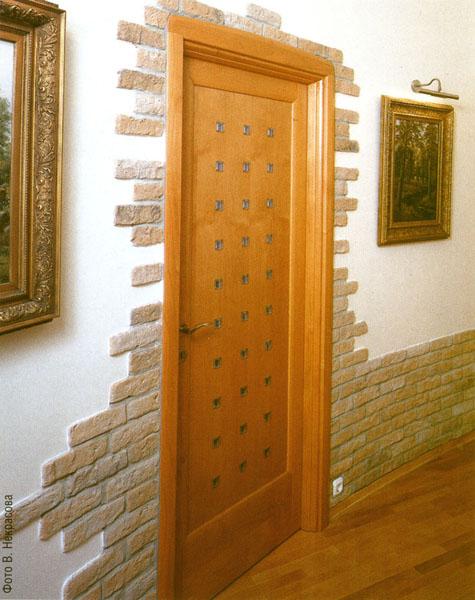 Декор вокруг входной двери