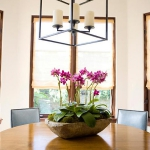 decorate-diningroom-1level-flowers2.jpg